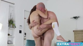 Petite Dark Haired Teenage Brooke Haze Will Get Crammed By Means Of Monster Man-meat